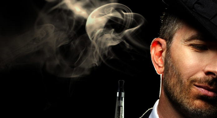 vaping 696x380 - Τι δείχνει η πρώτη Ελληνική μελέτη για το άτμισμα και την διακοπή καπνίσματος